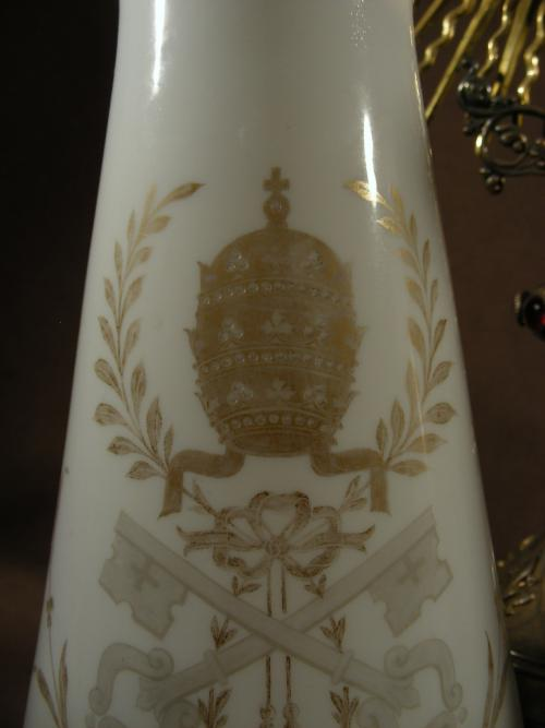 Paire Opalin glass vases Papal Arms