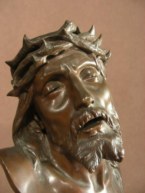 Bronze Christ Signed by Michel Beguine (1855-1929).