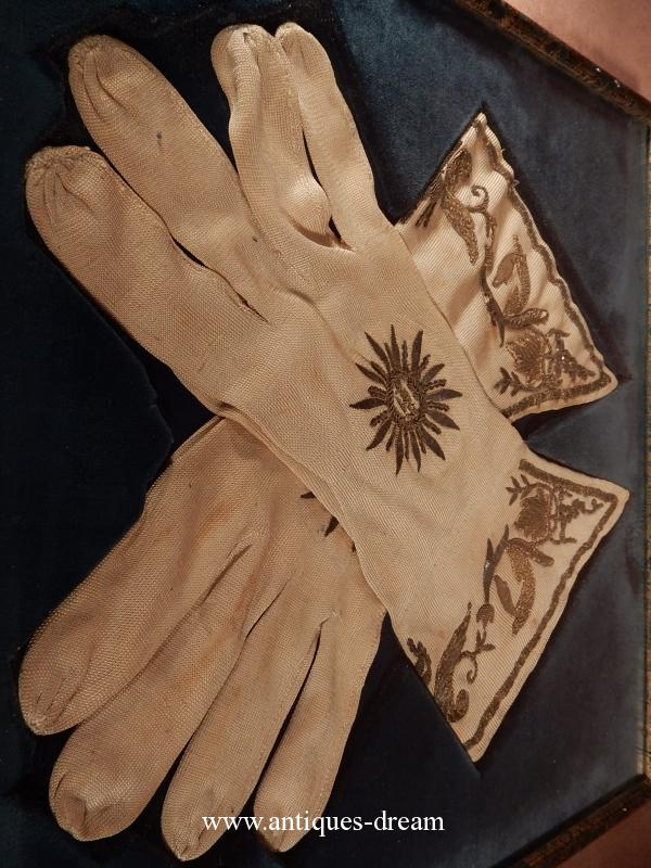 The Episcopal gloves