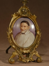 Reliquary bronze & And Porcelain Limoge Representing St Vincent de Paul.
