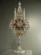 Monstrance for Child  Liturgical games.